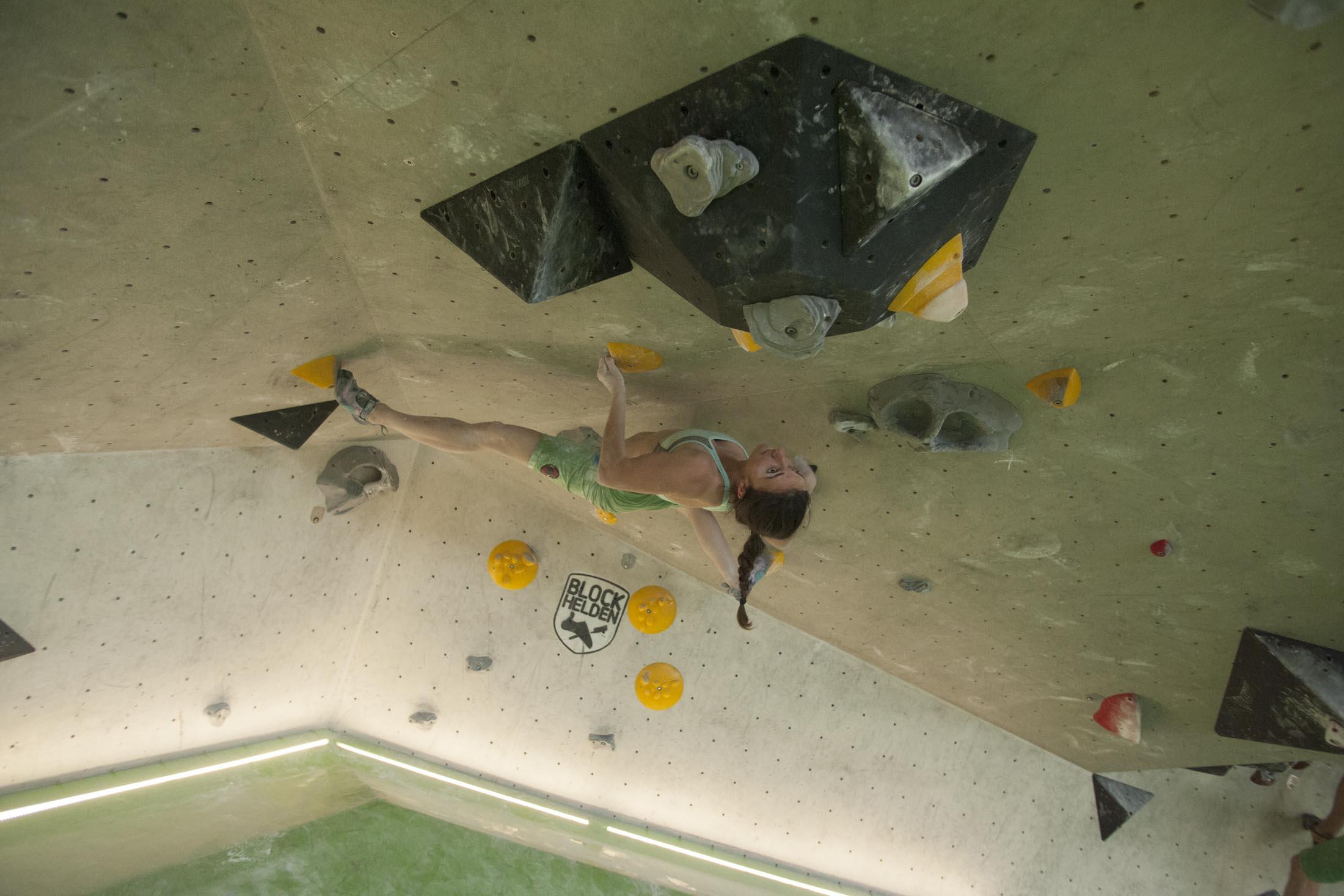 Juliane Wurm, internationaler bouldercup Frankenjura, BLOCKHELDEN Erlangen, Bergfreunde.de, Mammut07092016025