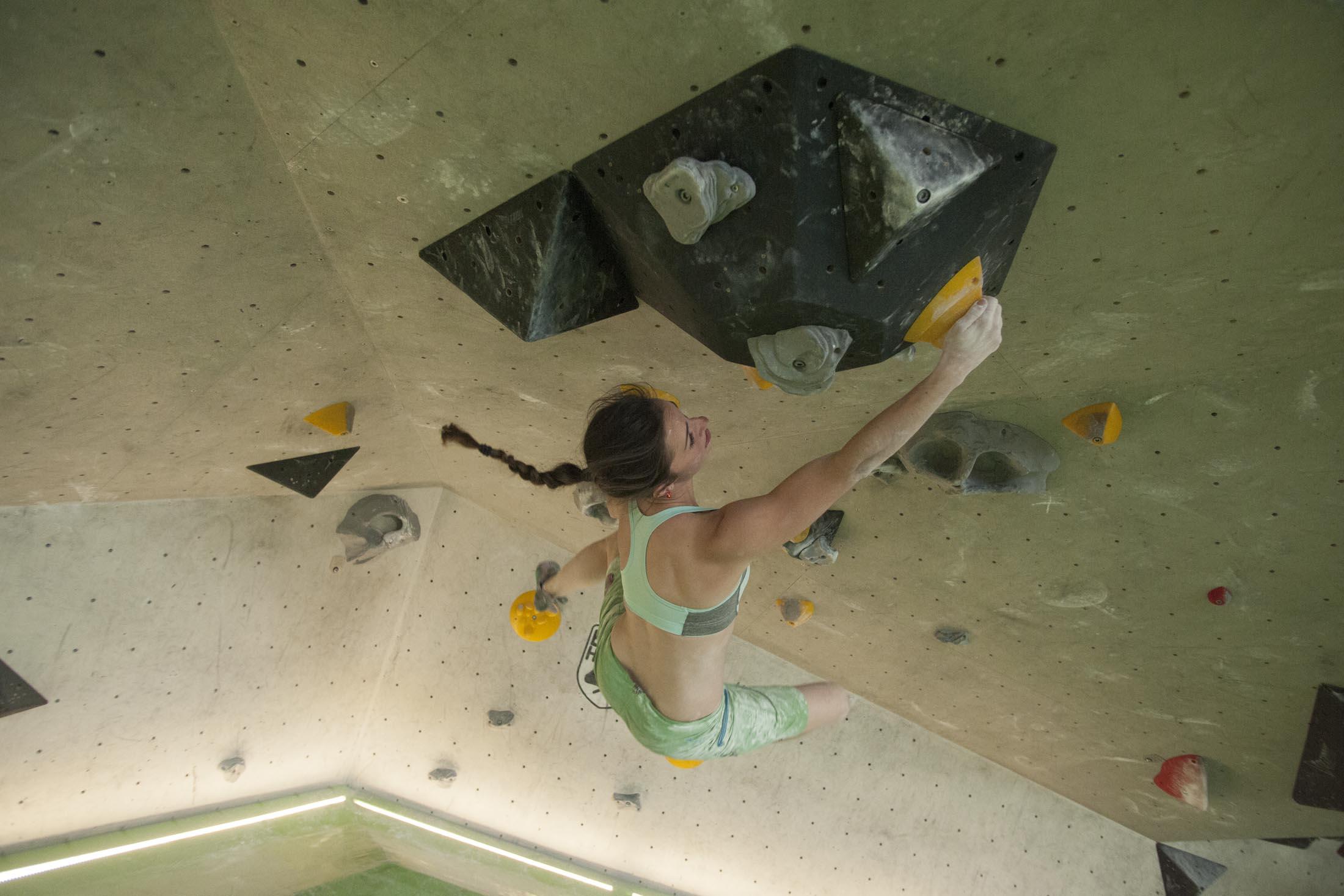 Juliane Wurm, internationaler bouldercup Frankenjura, BLOCKHELDEN Erlangen, Bergfreunde.de, Mammut07092016026