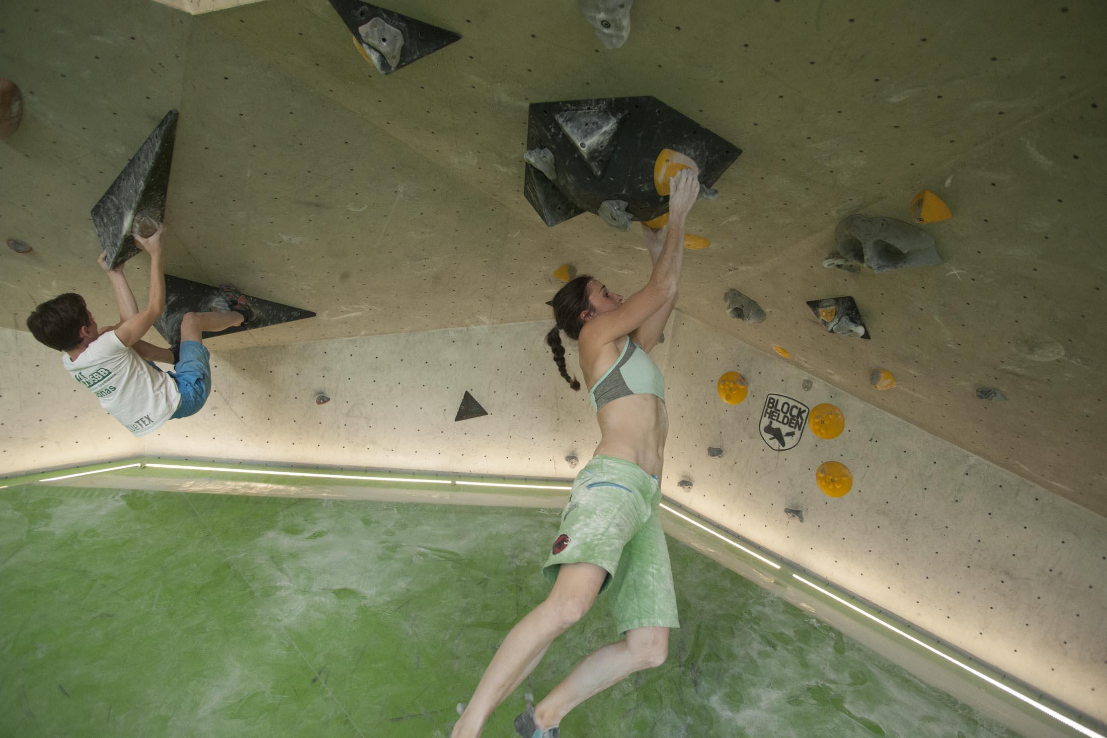 Juliane Wurm, internationaler bouldercup Frankenjura, BLOCKHELDEN Erlangen, Bergfreunde.de, Mammut07092016035