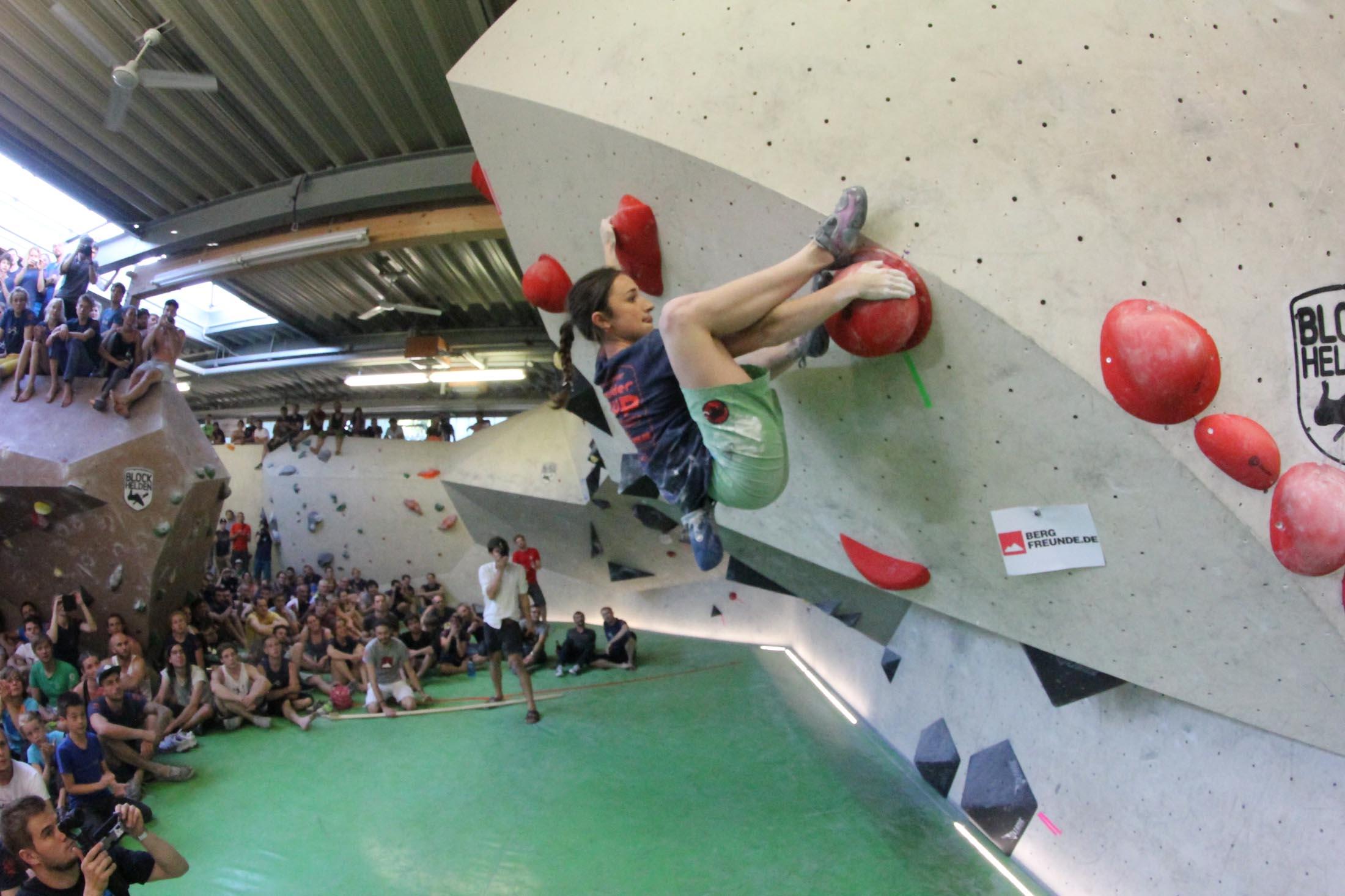 Juliane Wurm, internationaler bouldercup Frankenjura, BLOCKHELDEN Erlangen, Bergfreunde.de, Mammut07092016041
