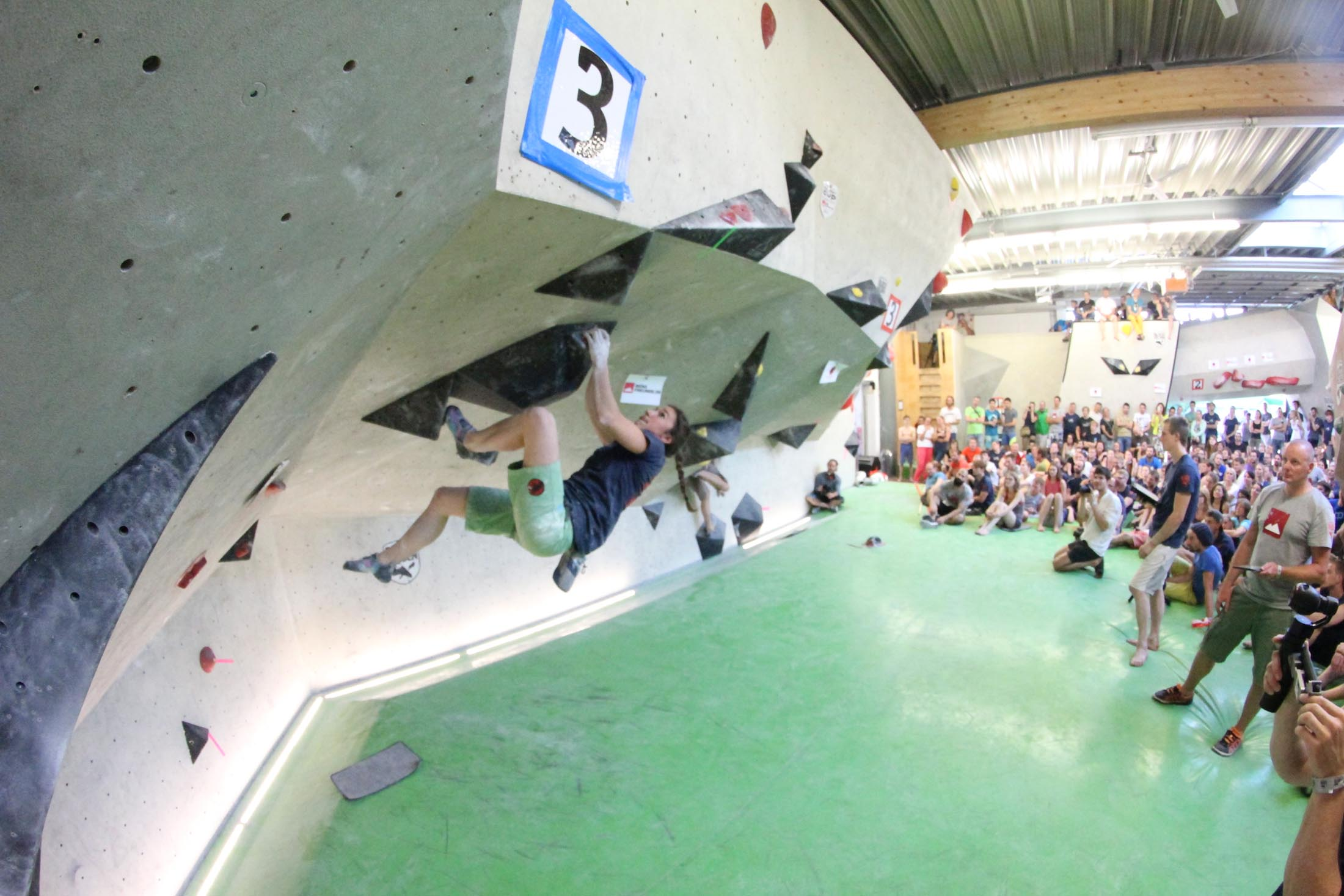 Juliane Wurm, internationaler bouldercup Frankenjura, BLOCKHELDEN Erlangen, Bergfreunde.de, Mammut07092016045