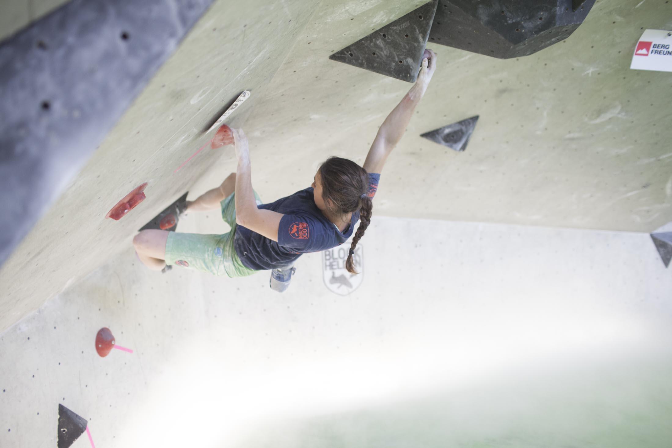 Juliane Wurm, internationaler bouldercup Frankenjura, BLOCKHELDEN Erlangen, Bergfreunde.de, Mammut07092016048
